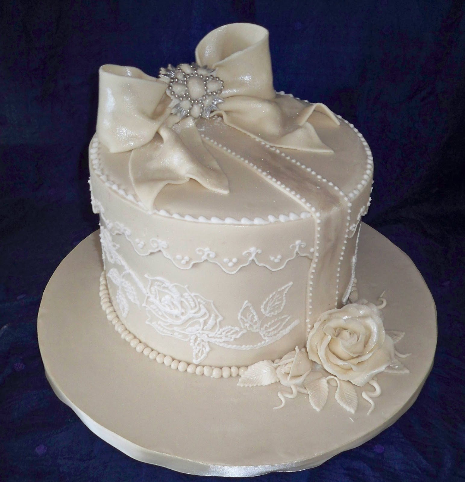 Simple Cake Designs Single Layer Viewing Gallery