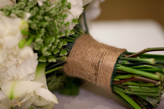 Make Your Own Bridal Bouquet: How To Make Your Own Wedding Bouquet