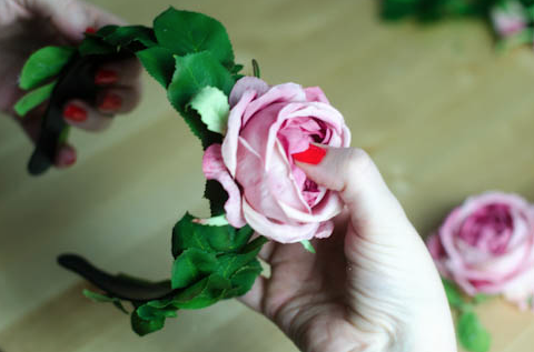 How to make a floral headband
