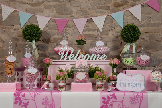 Decorations make or break the candy buffet